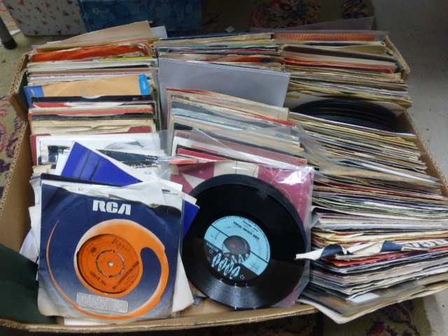 Lot 50 - Vinyl - Large collection of 45's including Rock & Pop from the 60's, 70,s & 80's inc Abba, The