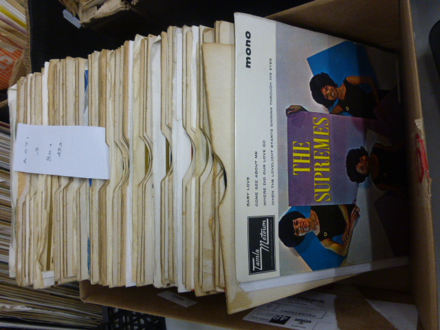 Lot 85 - Vinyl 45's Tamla / Stateside. 80+ 45's from these stables together with The Supremes Hits EP (TME