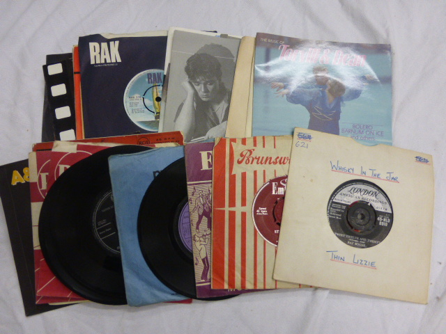 Lot 28 - Vinyl - A first class collection of 17 lp's & approx 25 45's plus an EP. Lp's include Aftermath (