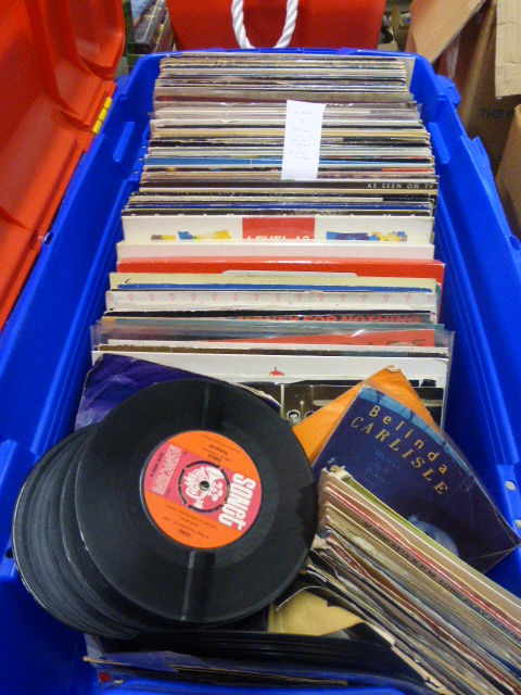 Lot 45 - Vinyl - Rock & Pop - A good collection of approximately 70 lp's, 30 12 inch singles, and over 80