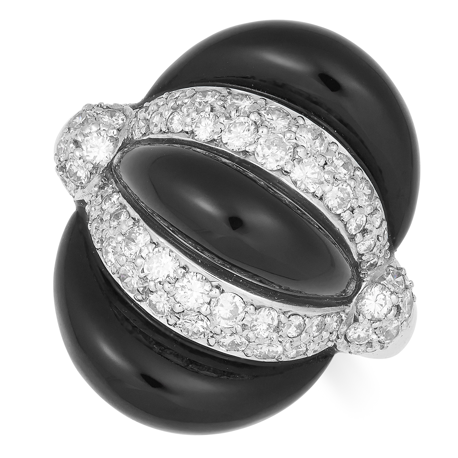 Los 52 - ONYX AND DIAMOND RING set with alternating round cut diamonds and polished onyx, size N / 7, 9.9g.