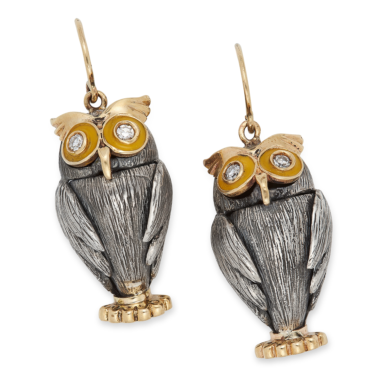 Los 59 - DIAMOND AND ENAMEL OWL EARRINGS set with round cut diamonds and yellow enamel, 3.9cm, 12g.