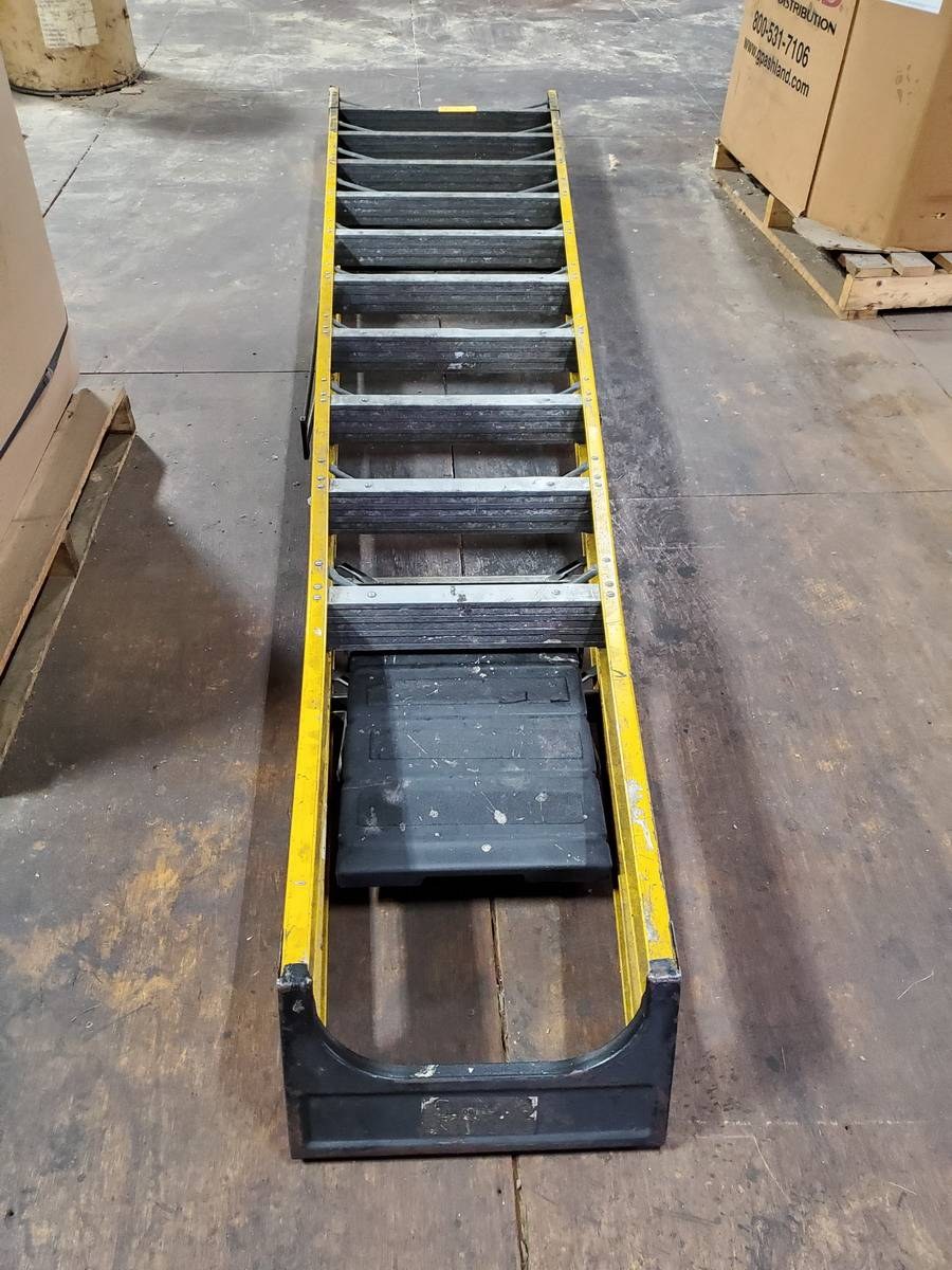 Bauer Ladder - Image 2 of 2