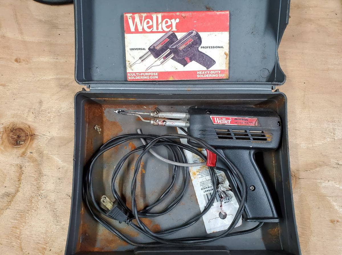 Lot 49 - Weller Soldering Gun Kits