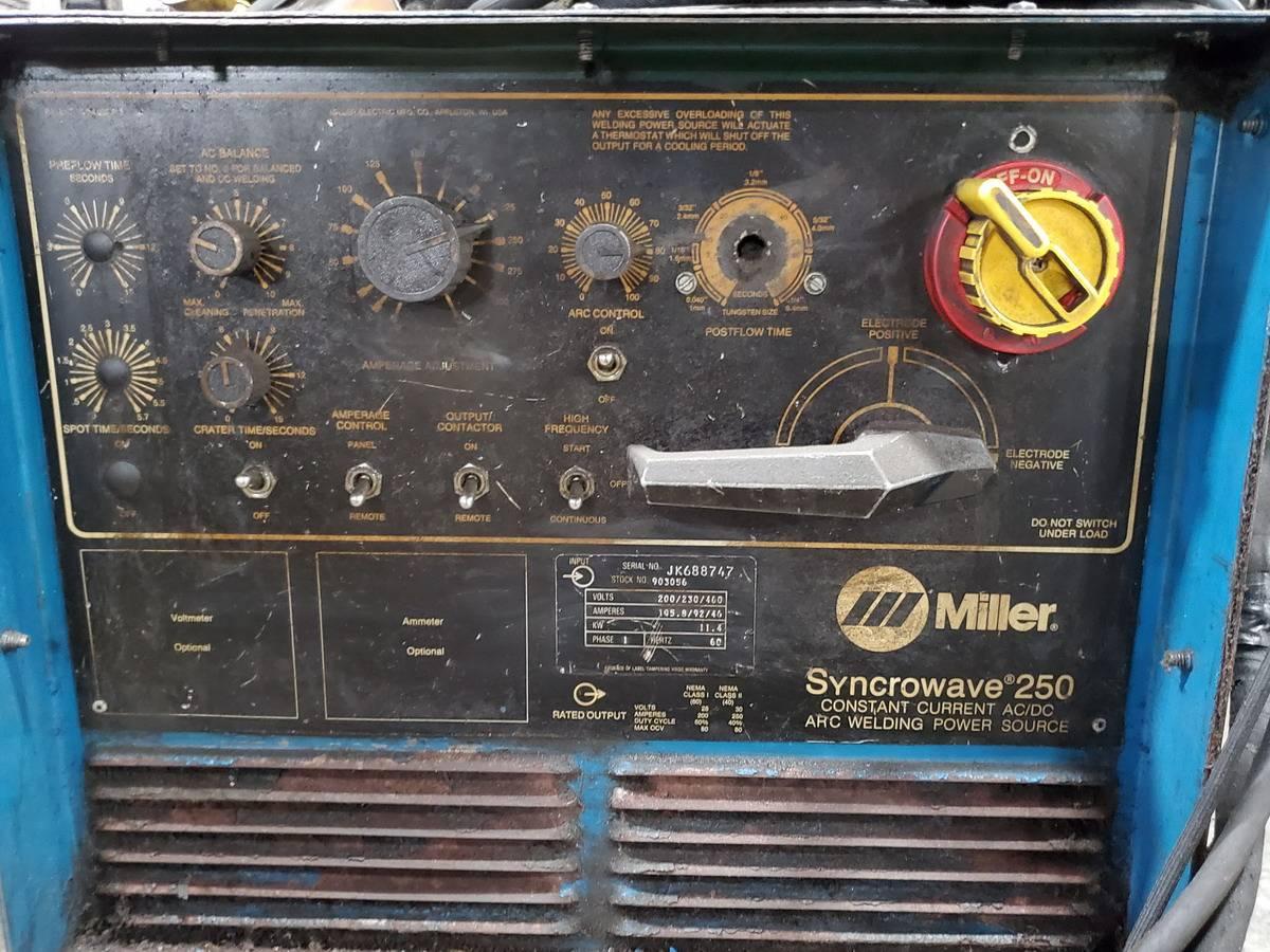 Miller Synchrowave 250 Welder - Image 4 of 5