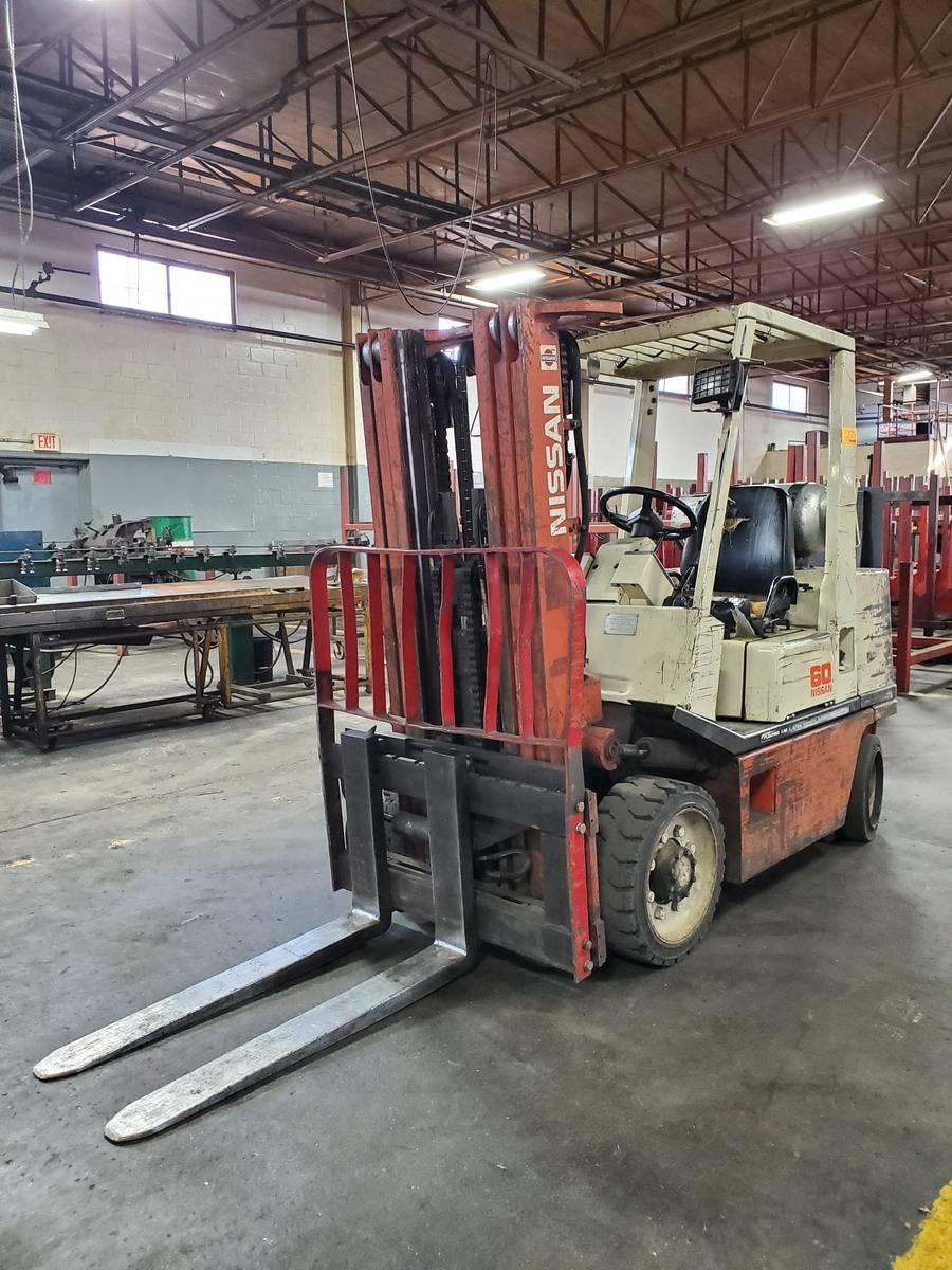Lot 270 - Nissan 60-2F30V LP Fork lift