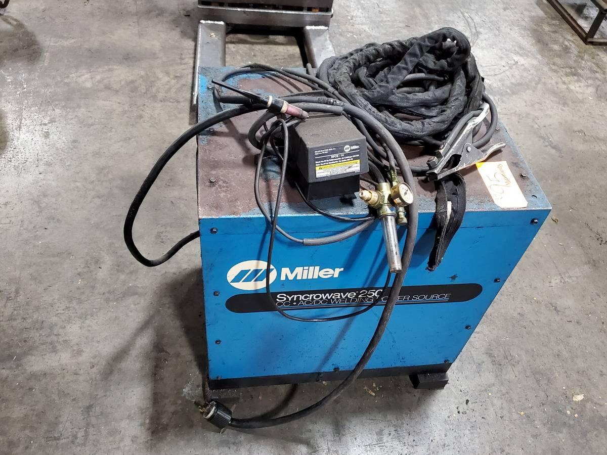Miller Synchrowave 250 Welder - Image 3 of 5