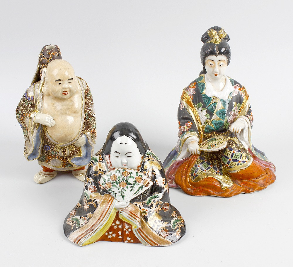 Lot 130 - A box containing a mixed selection of Japanese Satsuma decorated pottery figures, and a Chinese