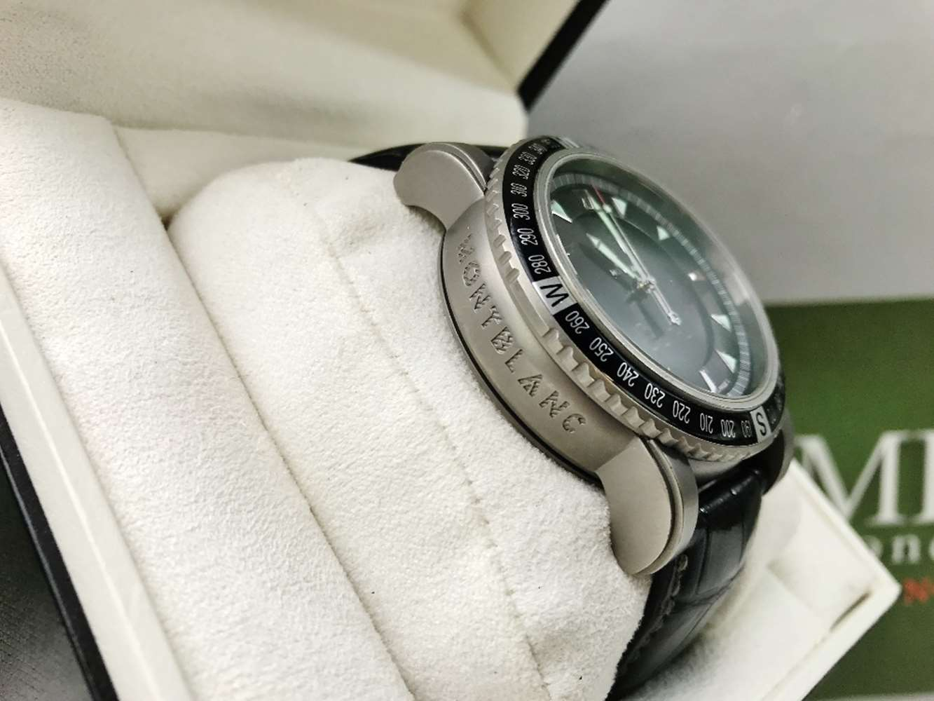 Lot 304 - Montblanc 7062 Titanium Multifunction Watch 44mm Bezel