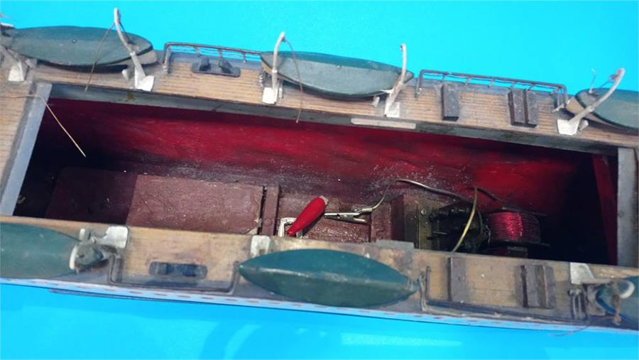 Lot 20 - A model boat of 'SS Kenrick Liverpool' with model engine. 90cm long