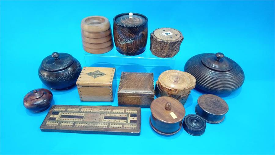 Lot 89 - A collection of turned treen wood items.