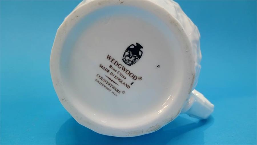 Lot 17 - A Collection of Wedgwood 'Country Ware' and other similar style china.