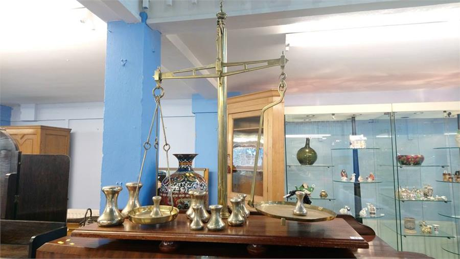 Lot 15 - A large set of Avery Limited scales and eleven weights.