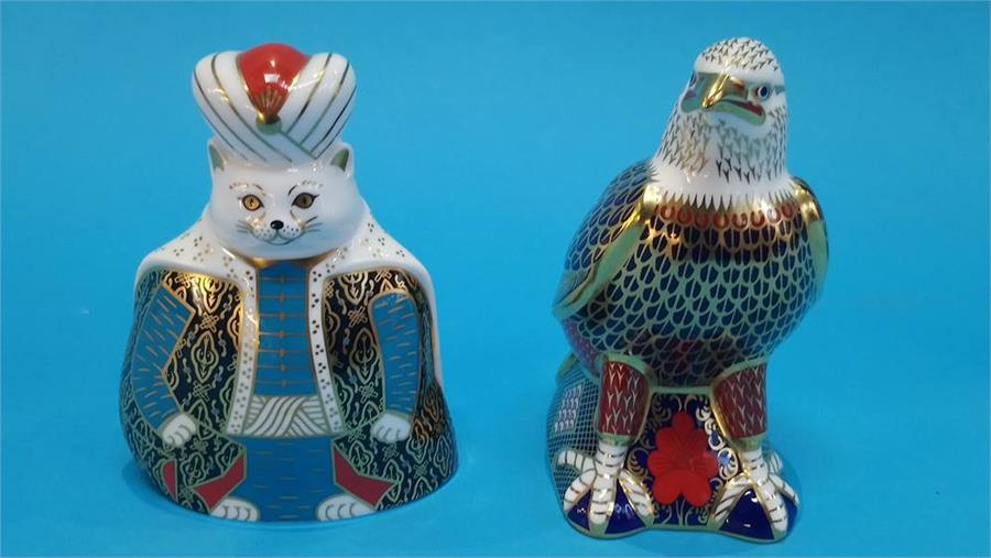Lot 32 - A Royal Crown Derby paperweight 'Royal Cats' and a small Golden eagle (no boxes or certificates).