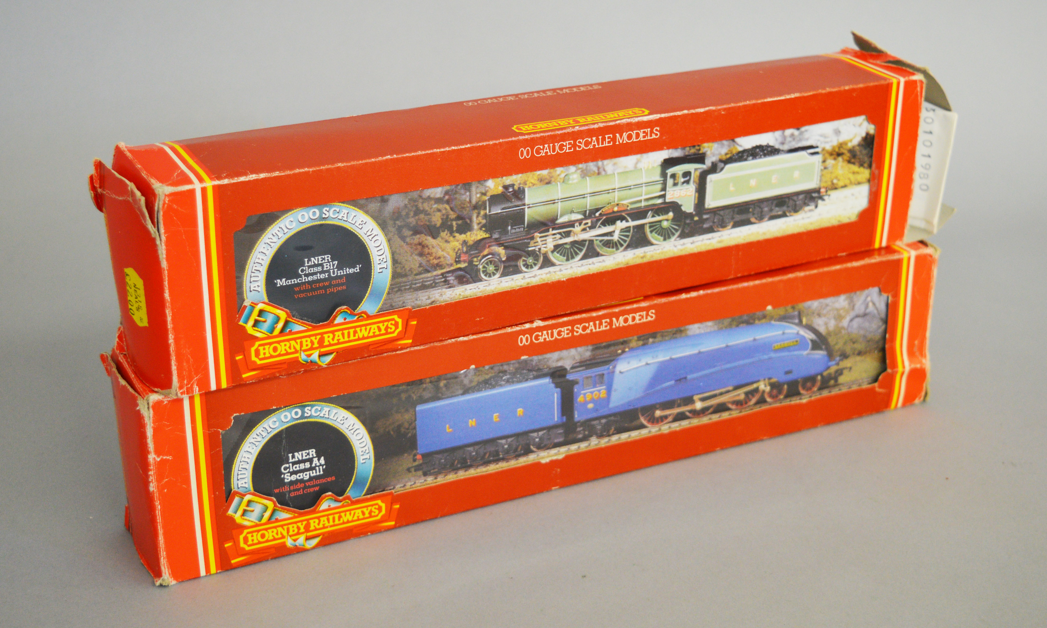 Lot 45 - OO Gauge. Two boxed Hornby Railways Locomotives, R.372 LNER Class A4 'Seagull' and R.