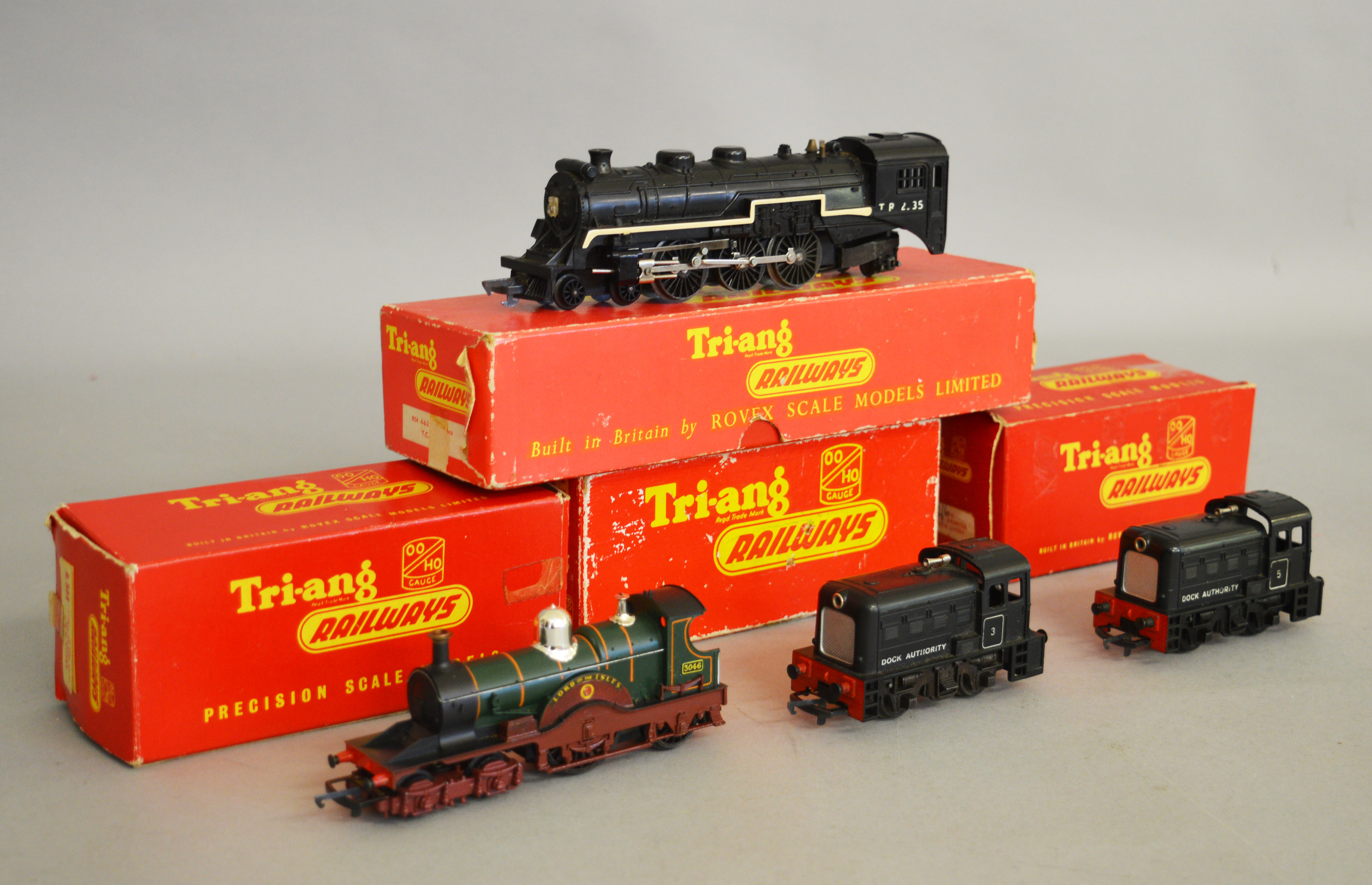 Lot 43 - OO Gauge. Four boxed Tri-ang Locomotives, 2 x R.253 0-4-0 Dock Shunters, one in lidded box, R.
