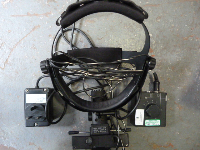 Lot 8 - *Keeler Vantage Indirect Ophthalmoscope with Power Pack