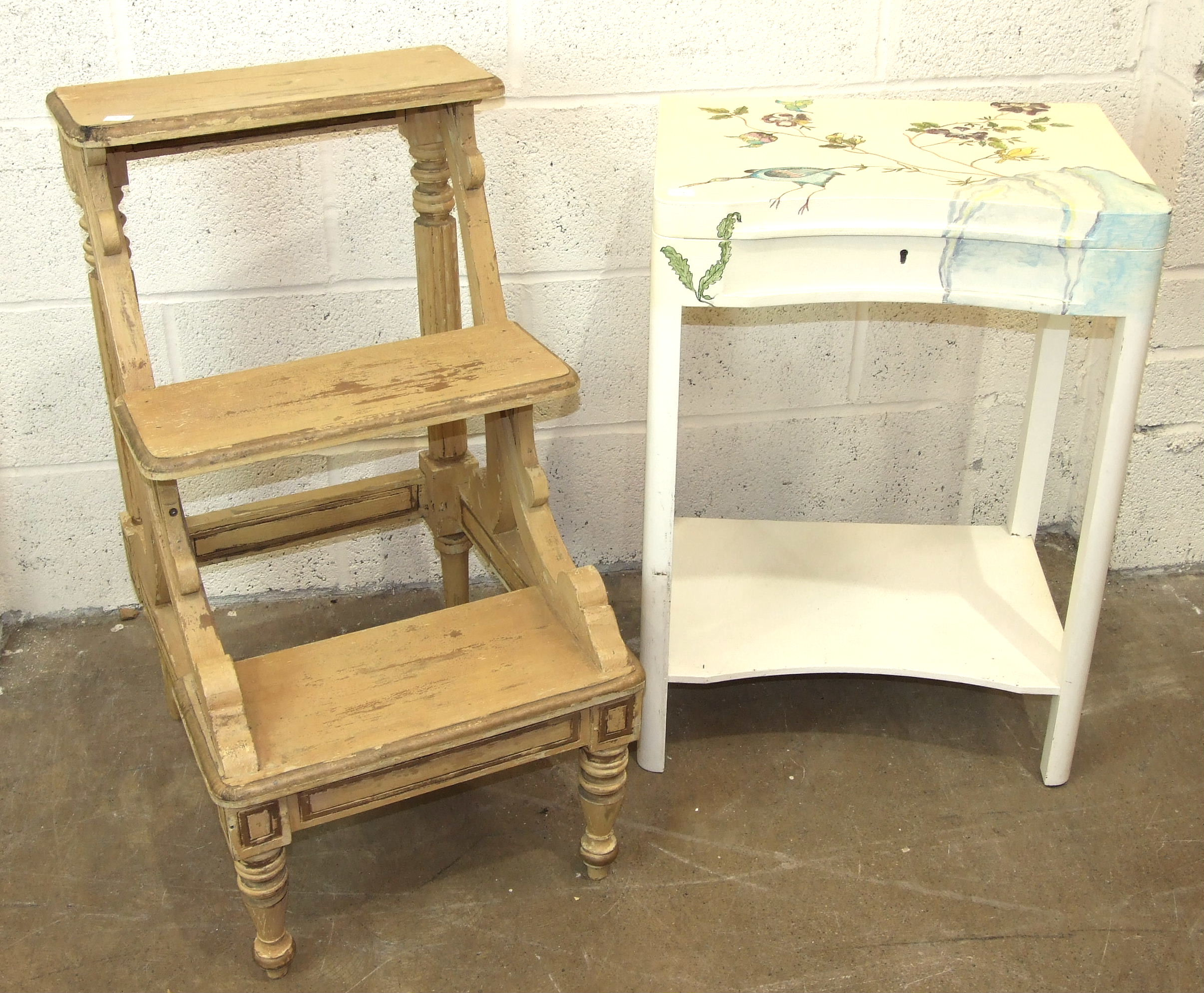 A set of painted wood library steps, 45cm wide, 80cm high and other painted furniture.