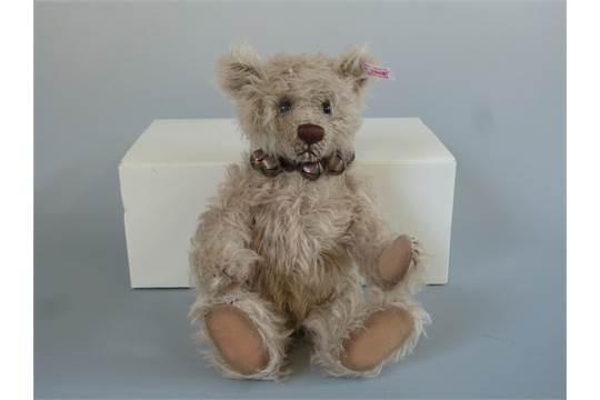 Steiff Teddy Bear BoJangles with caramel mohair, shaved