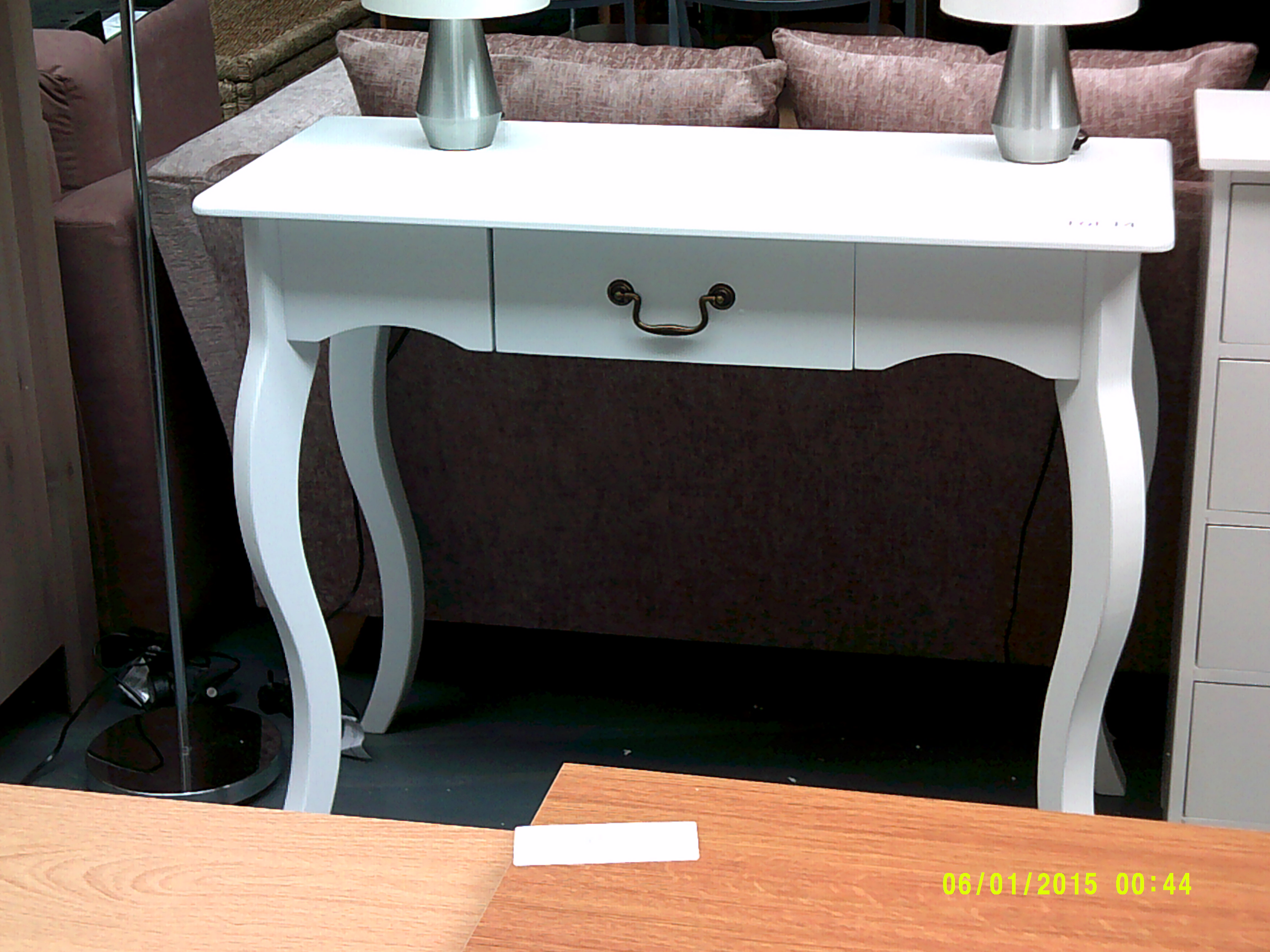 Lot 14 - White hall table ORP £89 Customer Returns