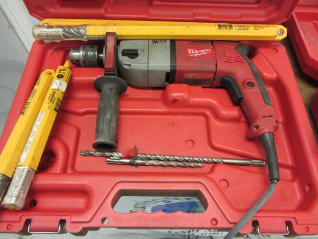 Lot 5 - Milwaukee #5380-21 1/2'' Hammer Drill