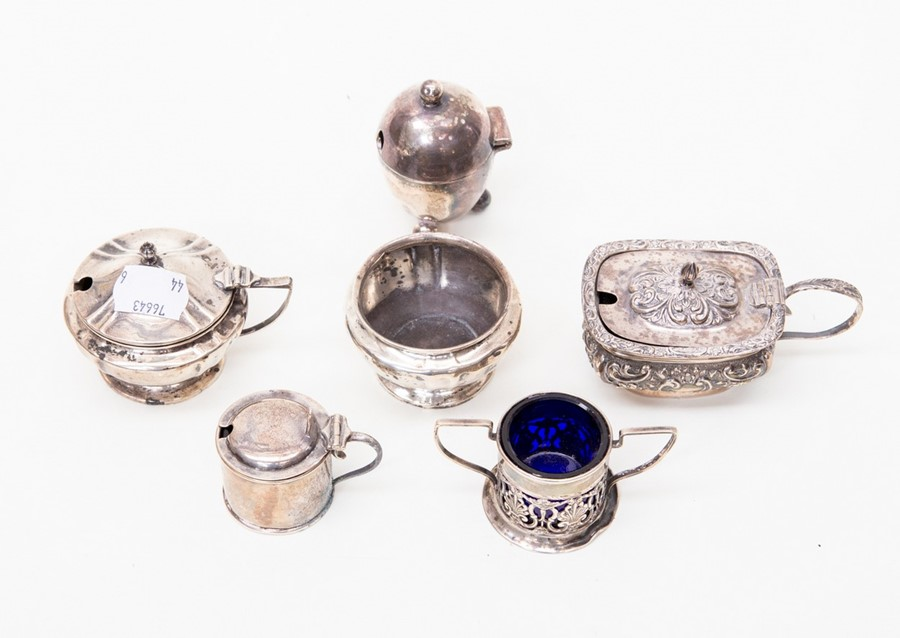 Lot 48 - Six various silver mustard and salt pots, various shapes,some with liners, silver weight approx