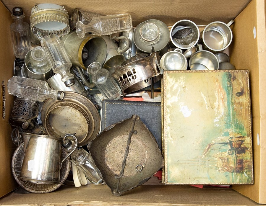 Lot 27 - A collection of silver plate, some small silver items, cased flat wares, pewter etc