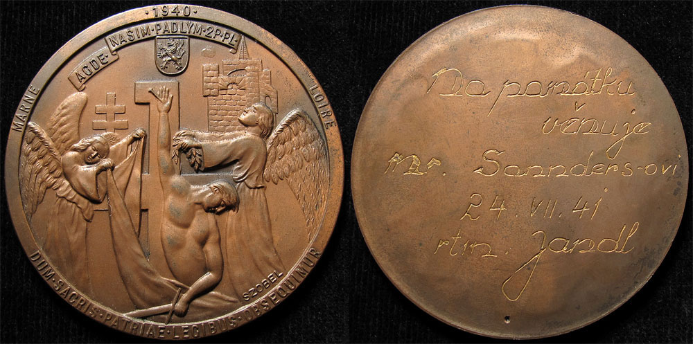 Lotto 1422 - WWII propaganda bronze medal d.65mm by the artist Geza Szobel, made whilst in exile with