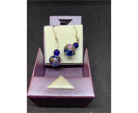 A PAIR OF MURANO GLASS EARRINGS IN A PRESENTATION BOX