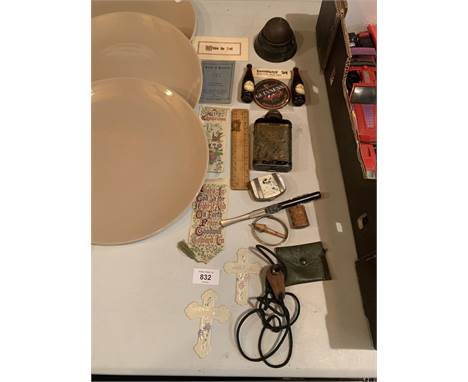 A VARIETY OF VINTAGE ITEMS TO INCLUDE A LETTER OPENER, A HIP FLASK AND BOOK MARKS ETC
