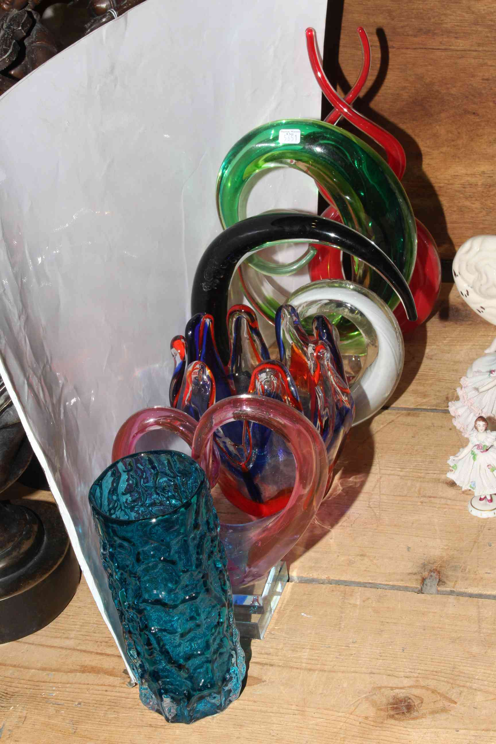 Lot 34 - Whitefriars blue bark vase and five pieces of coloured art glass