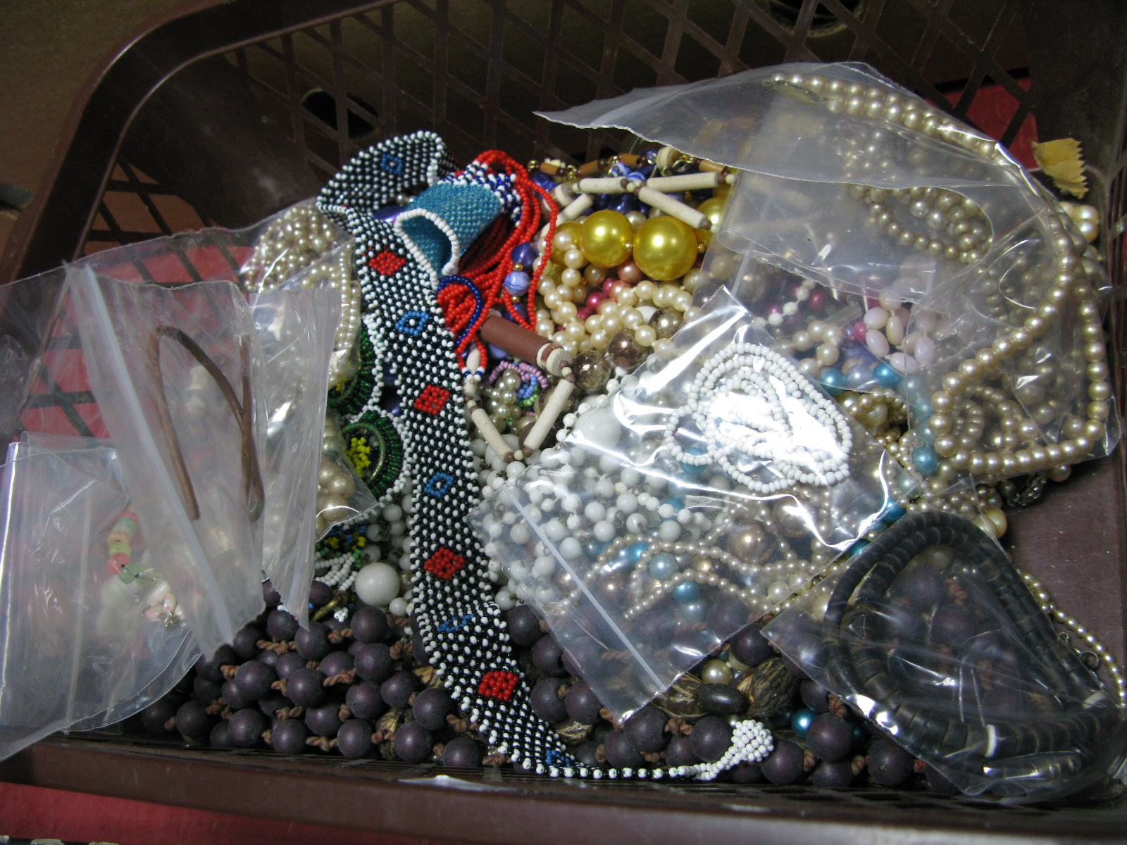 Lot 1051 - A Mixed Lot of Assorted Bead Necklace, including imitation pearls, etc.