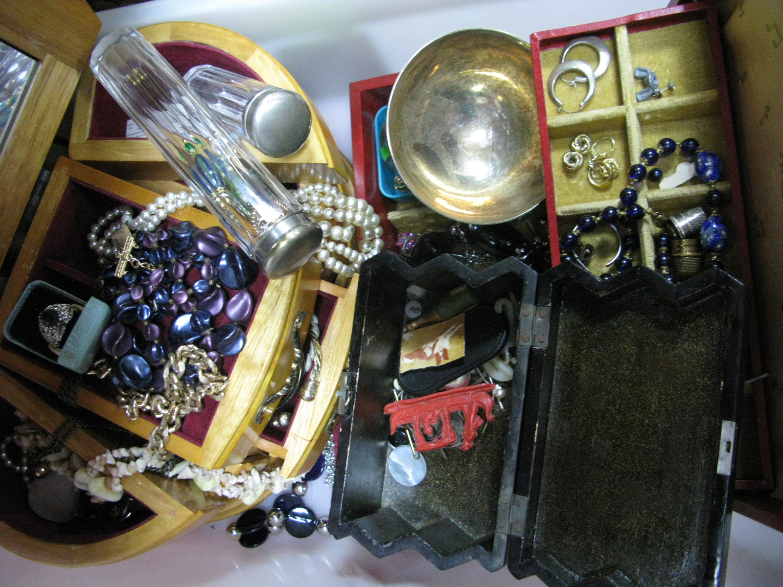 Lot 1024 - A Mixed Lot of Assorted Costume Jewellery, including imitation pearls, hat pins, two hat pin jars,