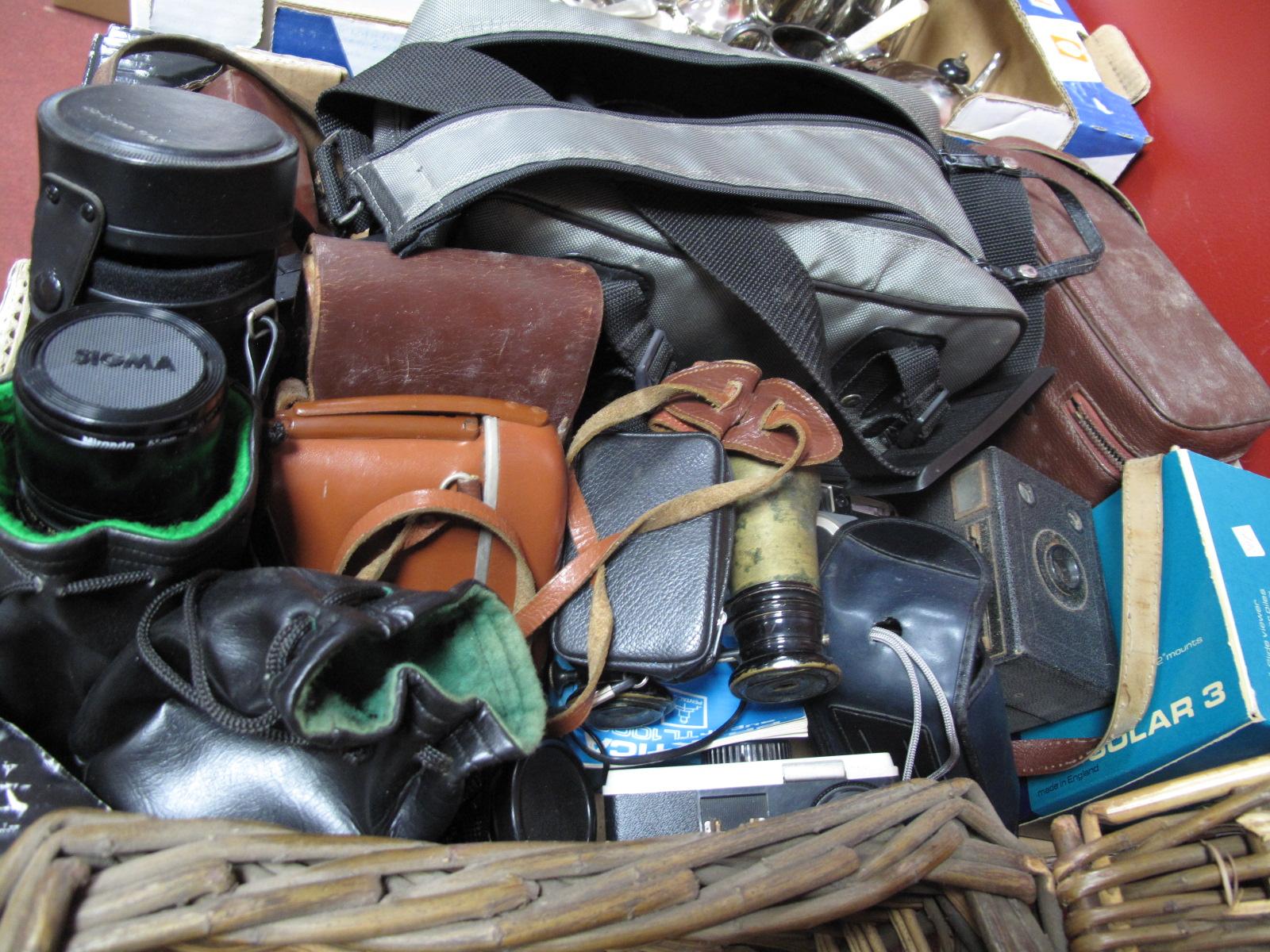 Lot 1003A - Camera: Kodak, Werra, etc lenses - Sigma zoom 1:4.5 f=100. Flektogon 2.4/35, Pentagon Auto 1.8/50,