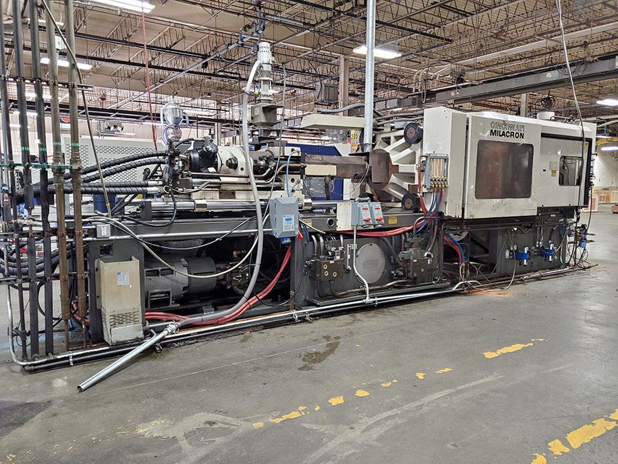 1994 CINCINNATI MILACRON 400-TON PLASTIC INJECTION MOLDING MACHINE; MODEL VH-400-29, S/N - Image 17 of 18