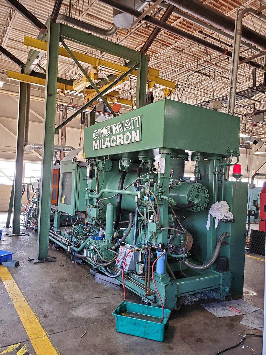 CINCINNATI MILACRON PLASTIC INJECTION MOLDING MACHINE; 500-TON, MODEL 500-70, S/N 4025A21/85-38, - Image 15 of 25