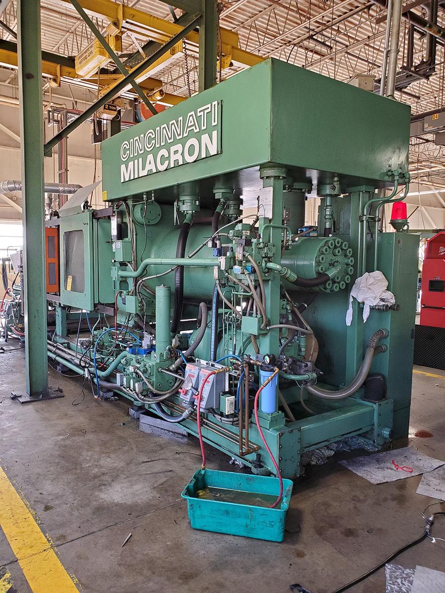 CINCINNATI MILACRON PLASTIC INJECTION MOLDING MACHINE; 500-TON, MODEL 500-70, S/N 4025A21/85-38, - Image 14 of 25
