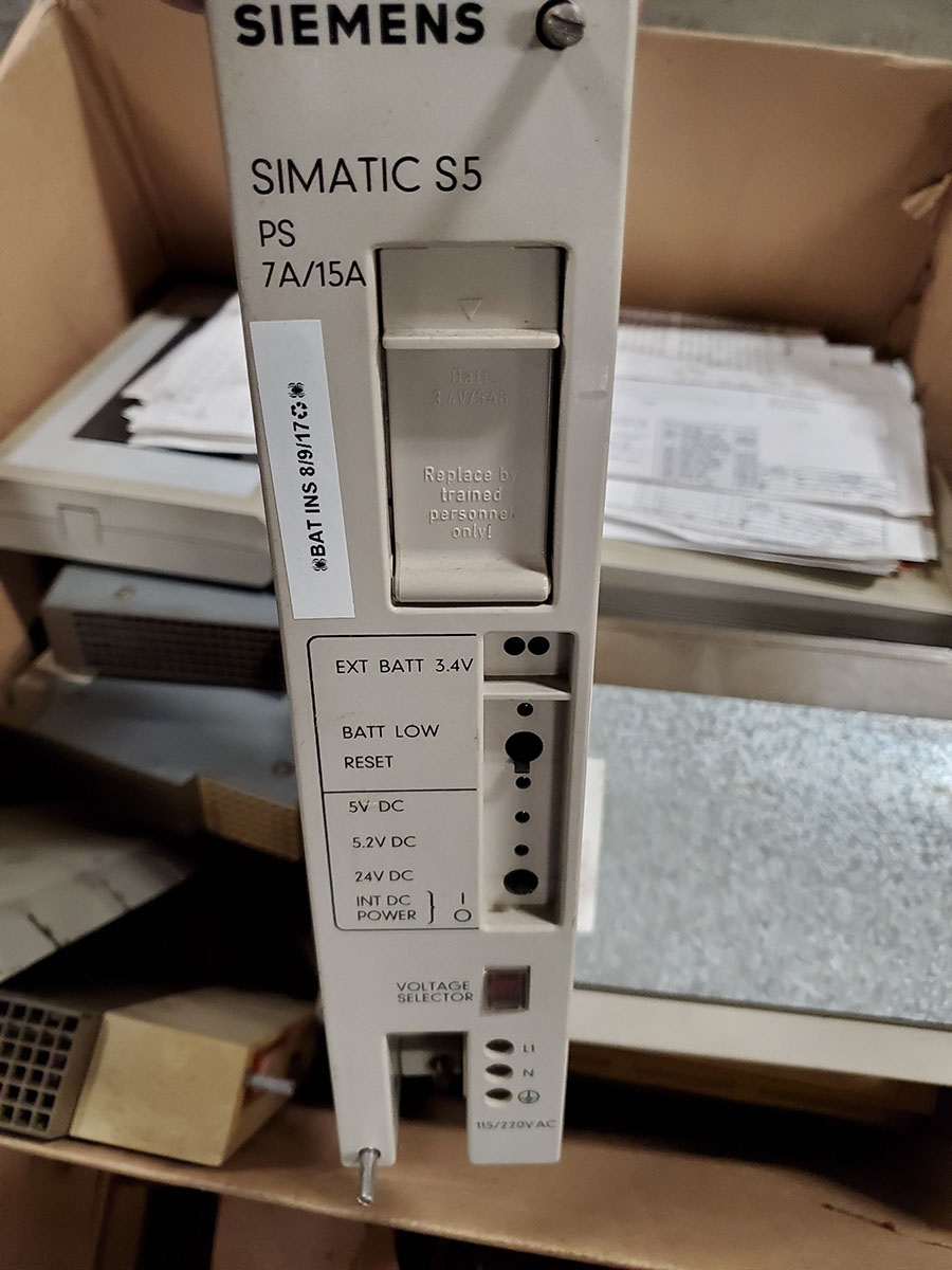 SKID OF SIEMENS INJECTION MOLDING MACHINE PARTS; MOTHER BOARD, CPU CARD, INPUT & OUTPUT - Image 8 of 9