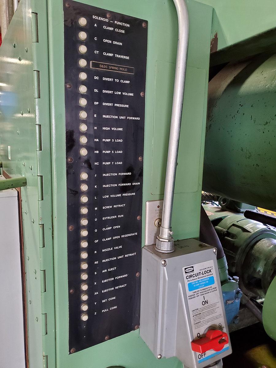 CINCINNATI MILACRON PLASTIC INJECTION MOLDING MACHINE; 500-TON, MODEL 500-70, S/N 4025A21/85-38, - Image 22 of 25