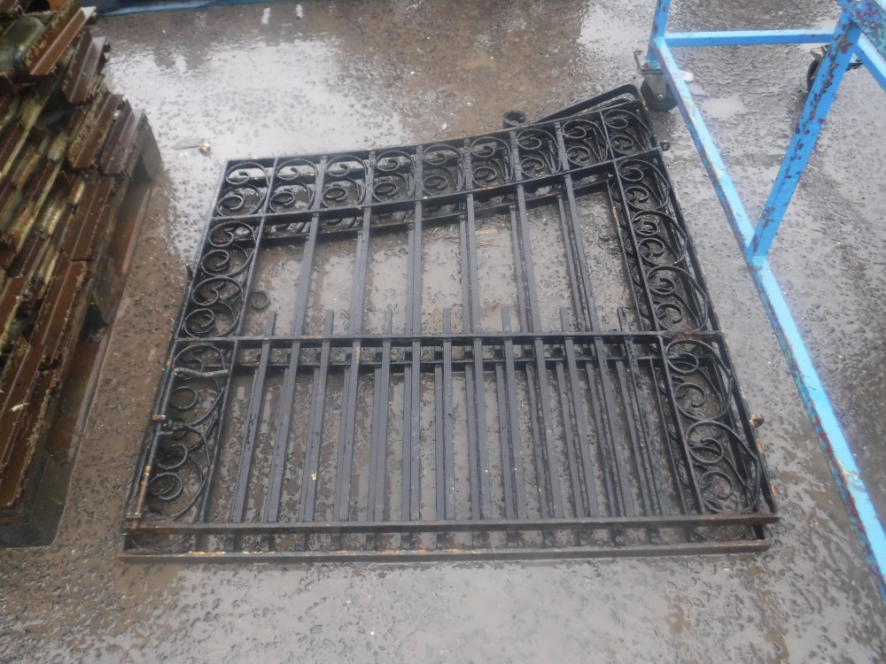 Lot 1157 - 2 X WROUGHT IRON GATES [NO VAT]