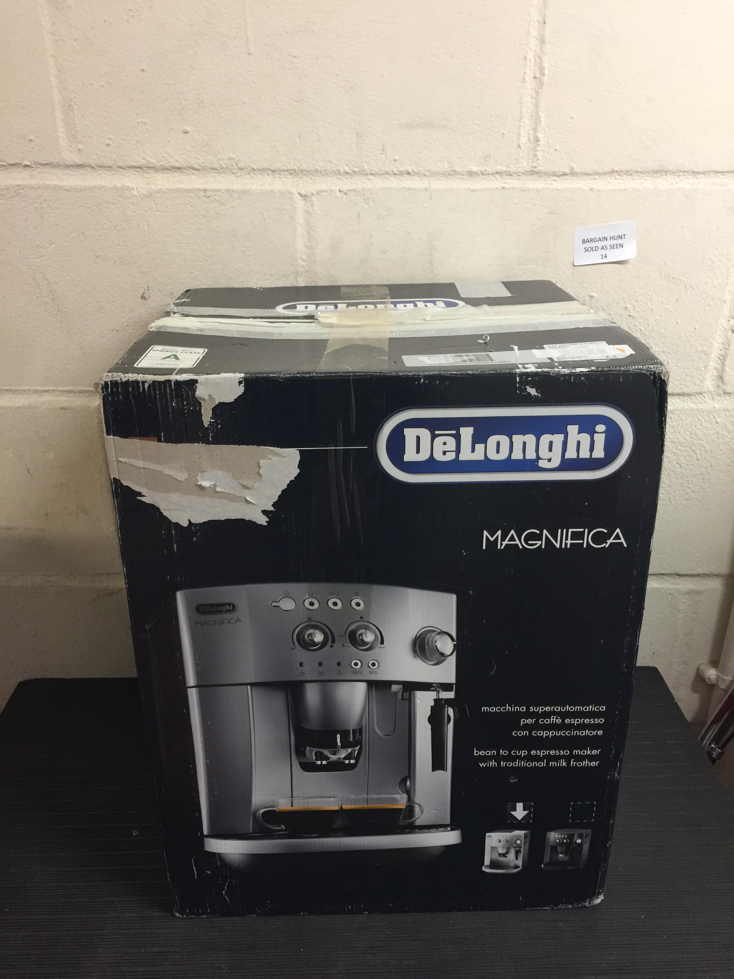 Lot 14 - De'Longhi Magnifica ESAM 4200.S Bean to Cup, Silver RRP £294.99