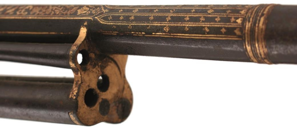 Lot 1 - AN IMPORTANT SILVER MOUNTED 20-BORE FLINTLOCK REPEATING GUN AND BAYONET FROM THE PERSONAL ARMOURY OF