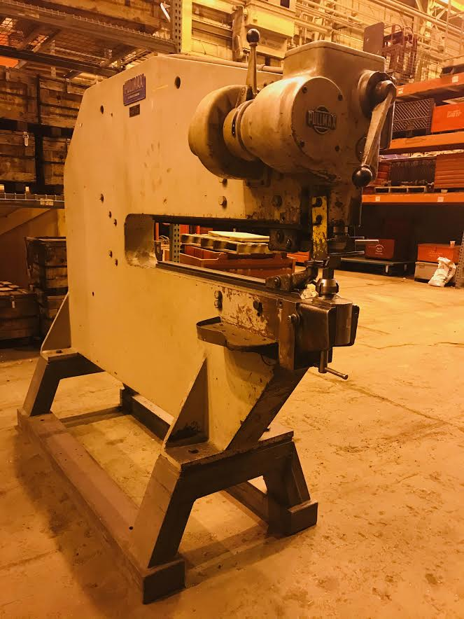 Pullmax Nibbler P7 Metalworking Machine
