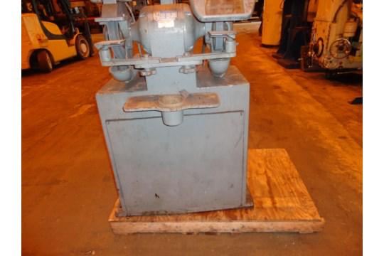 Pedestal Grinder - Image 4 of 11