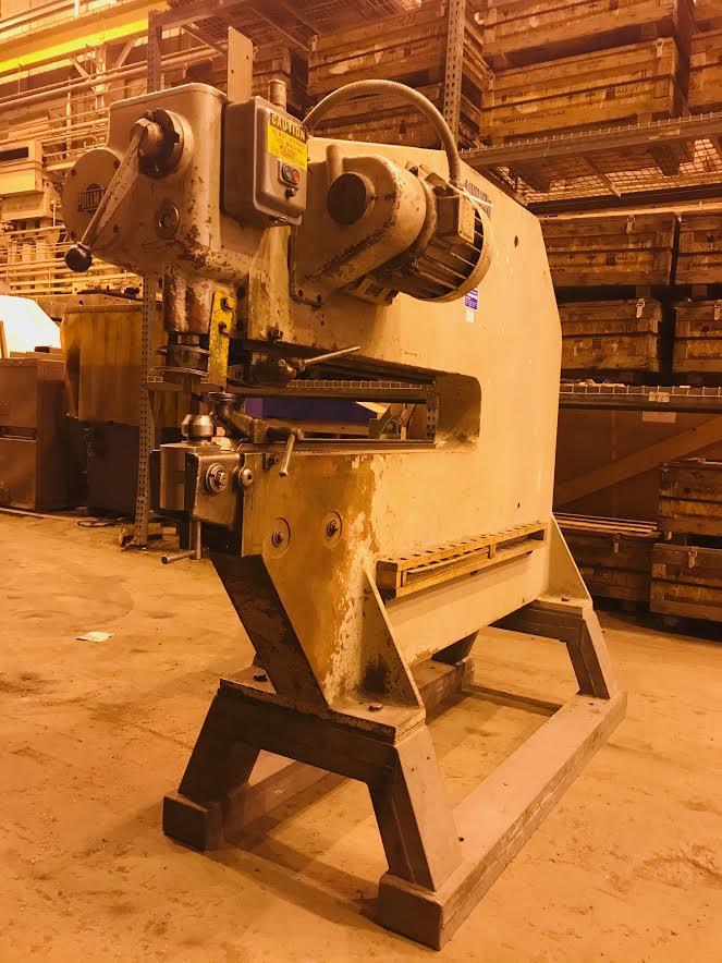 Pullmax Nibbler P7 Metalworking Machine - Image 2 of 5