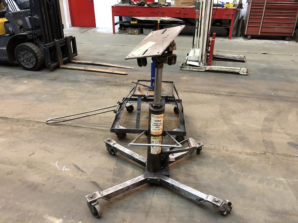 Lot 10 - Westward/Stinger Transmission Jacks