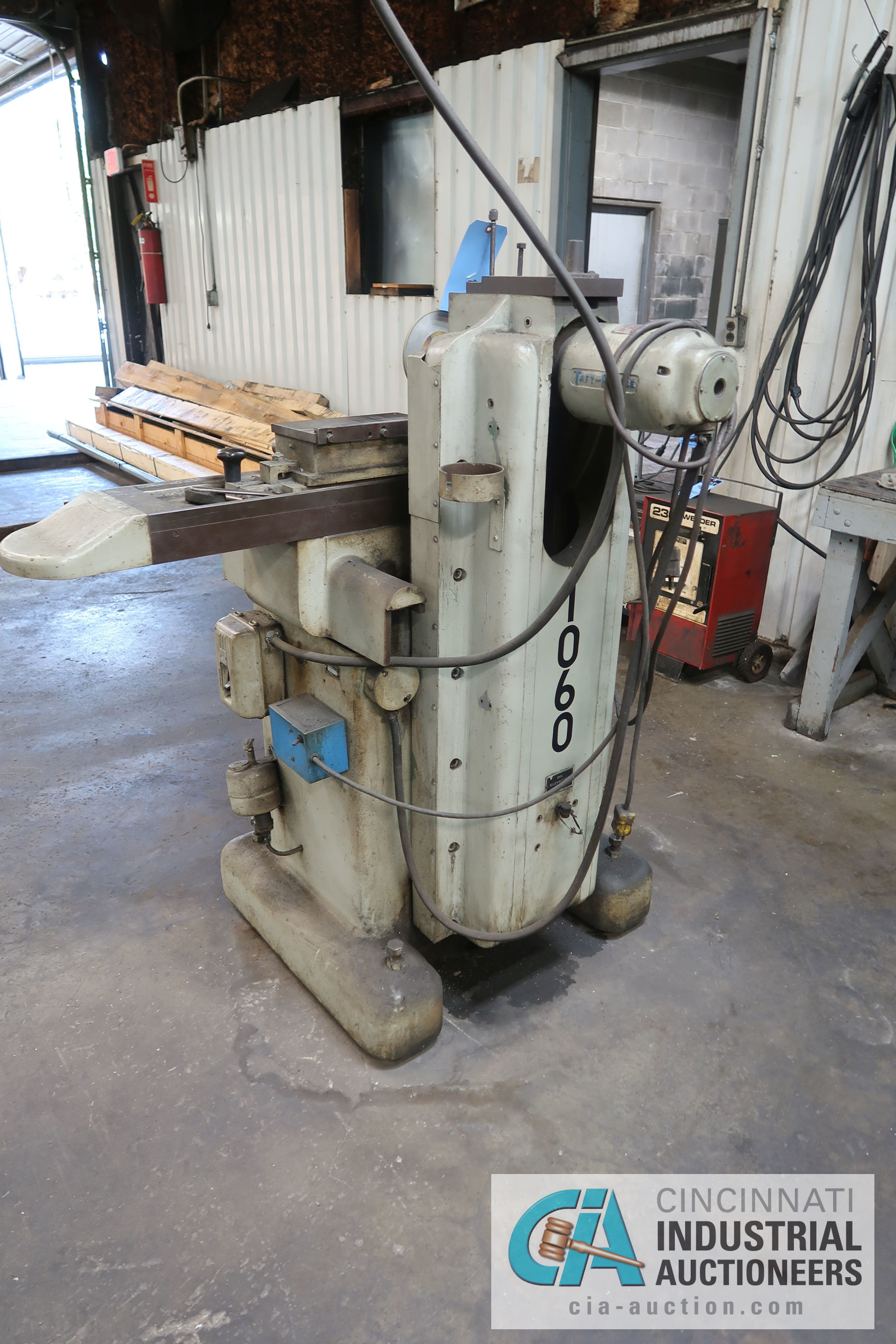 "Lot 40 - 5"" X 10"" TAFT-PEIRCE HAND FEED SURFACE GRINDER; S/N N/A"