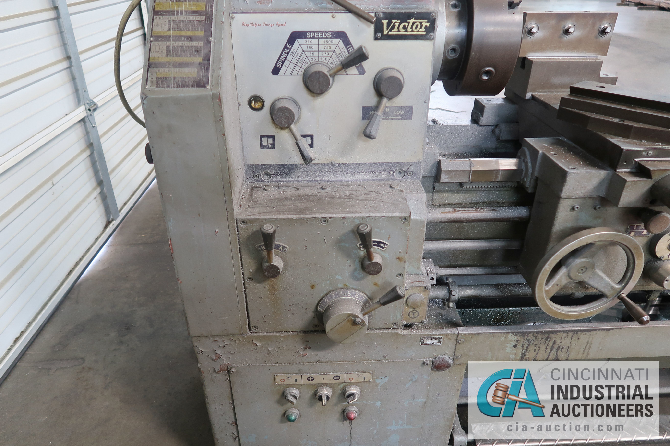 "Lot 38 - 20"" X 40"" VICTOR MODEL 2040 GEARED HEAD ENGINE LATHE; S/N 6002, MACHINE # 76018 (NEW 7-1976)"