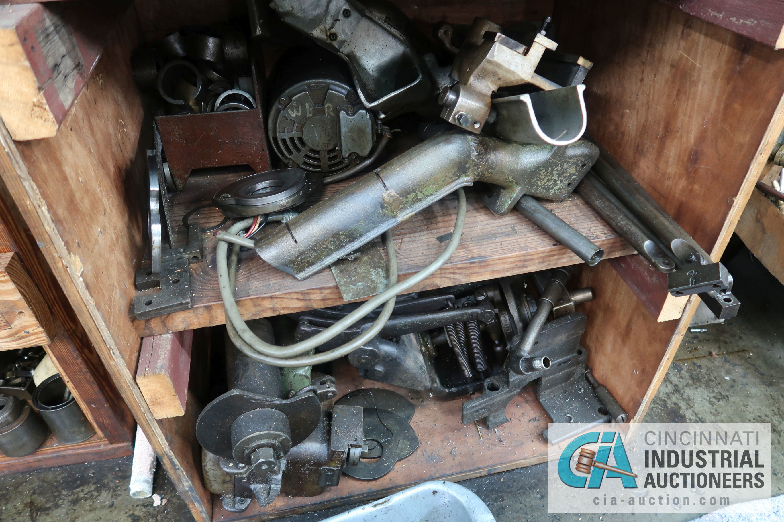 (LOT) LARGE ASSORTMENT MISCELLANEOUS DAVENPORT TOOLING, ATTACHMENTS, GEARS, CAMS AND OTHER RELATED - Image 10 of 21