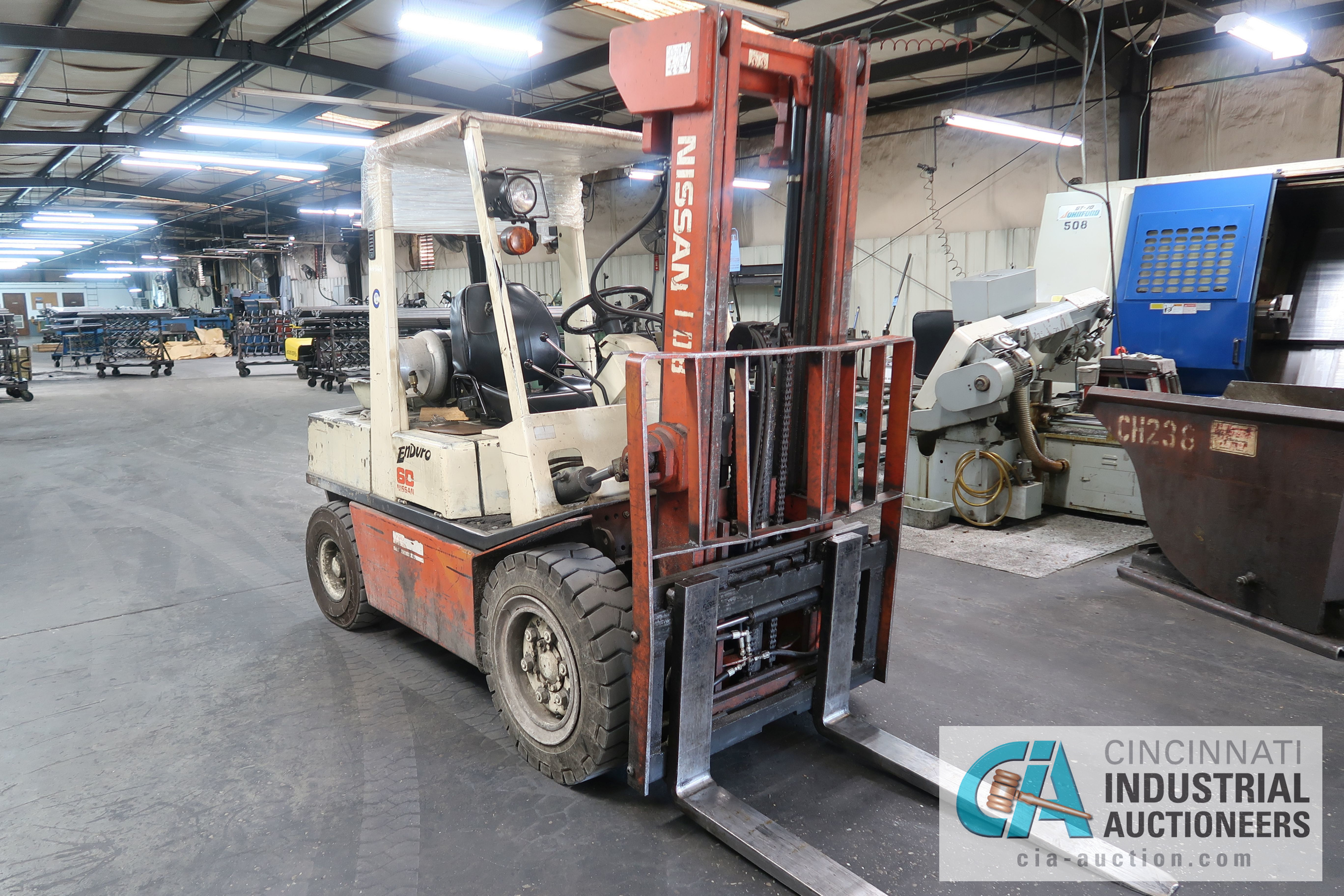 6,000 LB. CAPACITY NISSAN MODEL KUGH02A30V LP GAS, TWO STAGE MAST, SOLID PNEUMATIC TIRE LIFT - Image 2 of 14